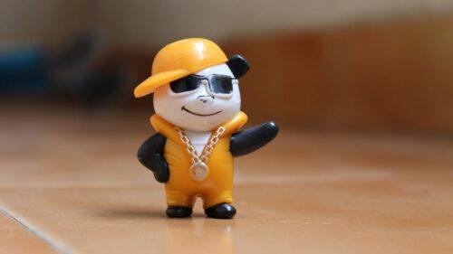 パンダのフィギュア(ロックンローラー)