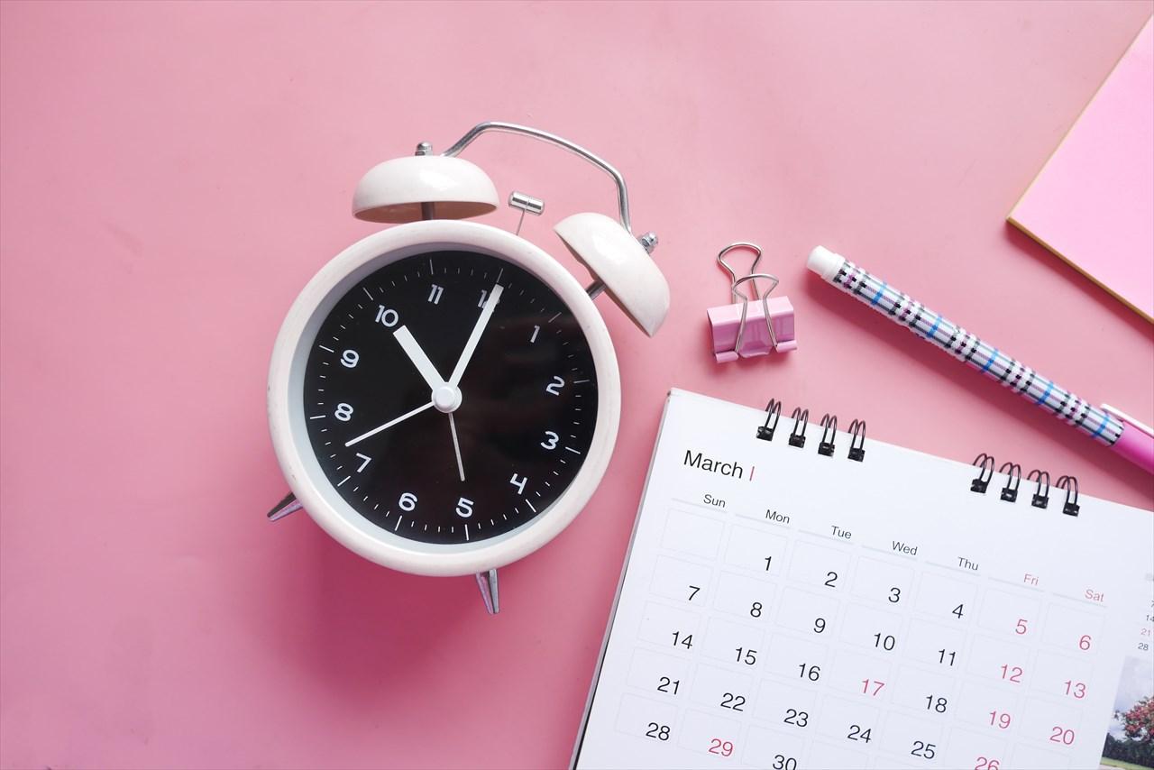 時計・鉛筆・カレンダー