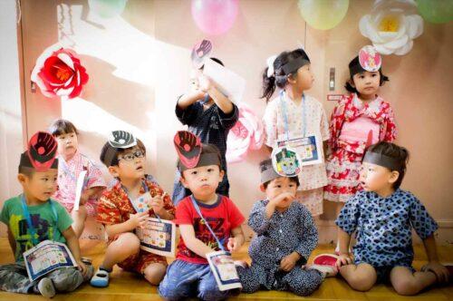 保育園の子どもたちのスナップ